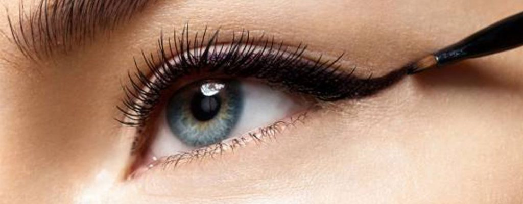 como hacer el eyeliner